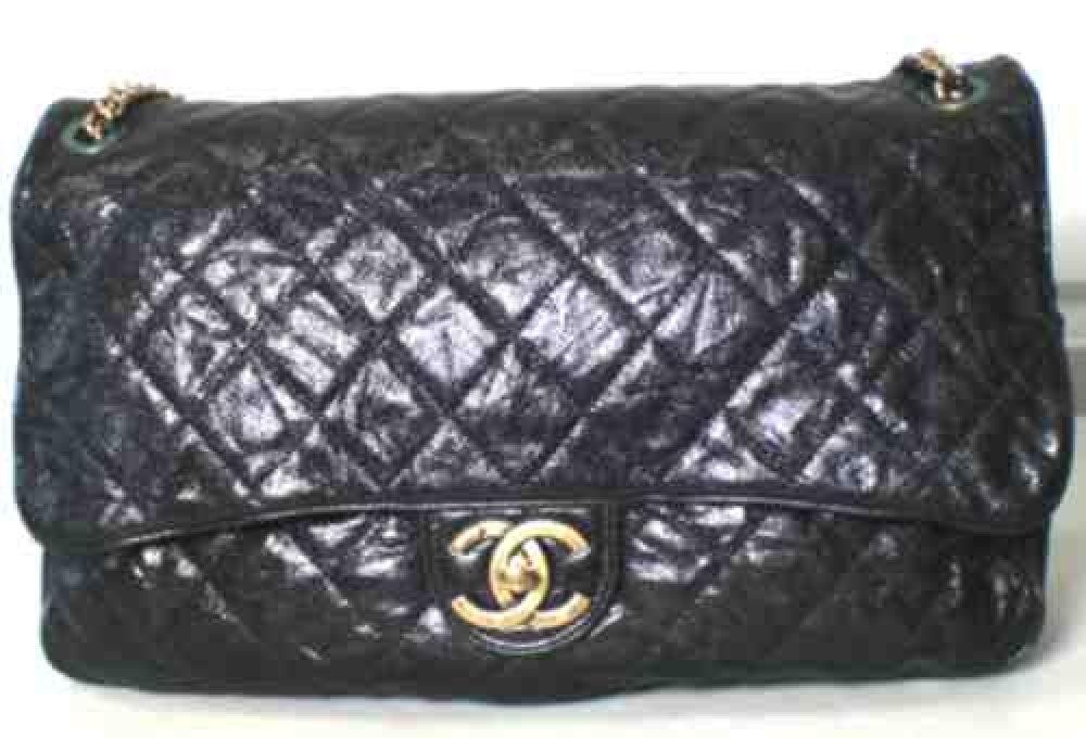 Chanel_Black_Classic_vintage_Caviar_Sac-Handbag