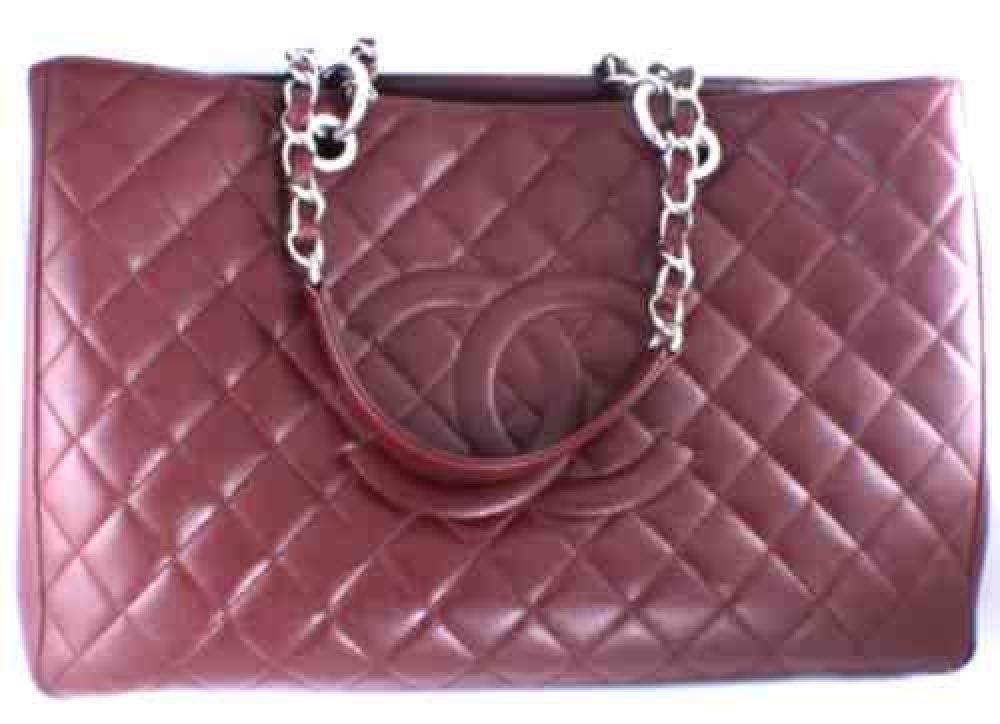 Chanel_Caviar_Grand_Tote_burgandy-Handbag