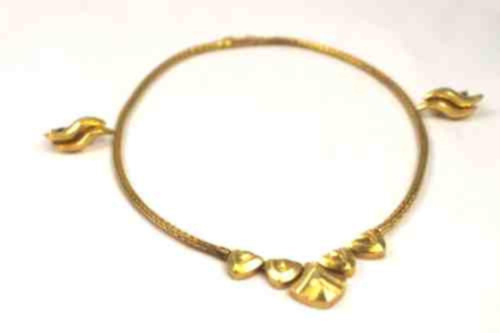 Llias_Lalaounis_Vintage-hand-woven-necklace-18k-gold