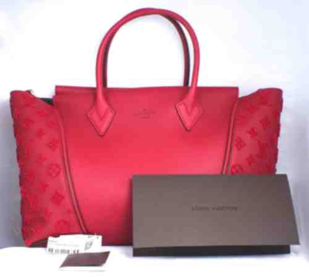 Louis_Vuitton_Veau_Cachemire-Handbag