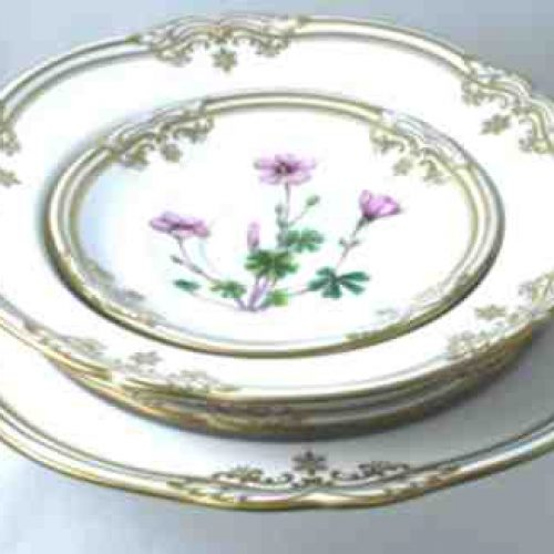 Stafford_Flowers_Spode_Dinner_set-Gold