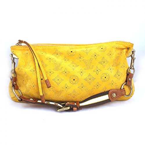 Louis Vuitton Suede Cuero Pochette Onatah Perforated Mais Shoulder Bag
